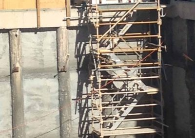 Above-&-Beyond-Scaffolding-Commercial-Hanging-Stairs-Scaffold-Setup